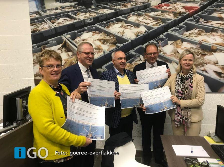 College Goeree-Overflakkee ondertekent manifest ter ondersteuning visserij - iGO.nl Nieuws Goeree Overflakkee