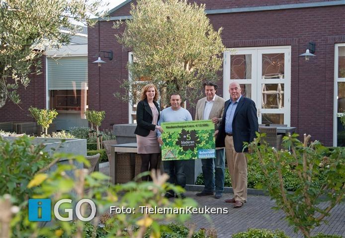 Spot Keuken Driehoek : Vakbouw 8 en Tieleman Keukens reiken ...