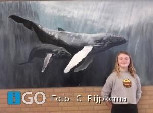 [video] Eva Hoek (13) uit Ouddorp schildert met een boodschap