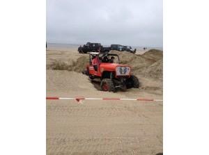 Terreinauto-/4x4-evenement op strand in Ouddorp
