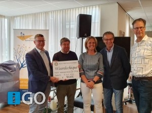 [video] Rally Rotary G-O overhandigde cheque 10.000 euro aan de Stove