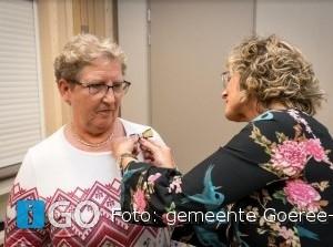 Mevrouw Van Wageningen uit Middelharnis ontvangt Koninklijke onderscheiding