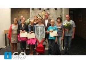 Deelnemers van het project De Reiskoffer ontvangen certificaat