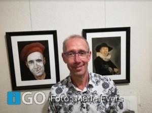 Expositie portretten bekende eilanders in Voorstraat Sommelsdijk