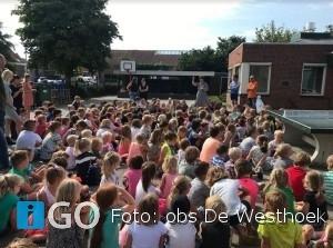 Basisschool De Westhoek Ouddorp feliciteert 'Kika Kees'