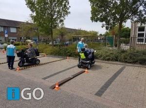 Wethouder Feller aanwezig bij scootmobiel-training in Goedereede