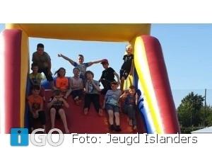 Jeugd Islanders leidt zomervakantie feestelijk in