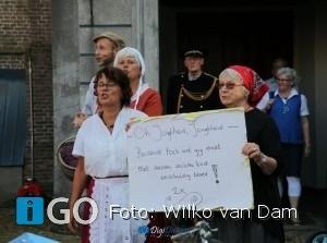 Foto's van geslaagdeHolle Bolle Avondmarkt in Sommelsdijk
