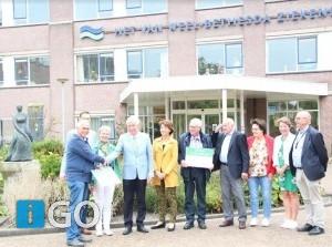 Cheque voor oncologie Van Weel-Bethesda Ziekenhuis en hospice Calando