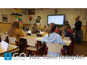 Politie geeft voorlichting vuurwerk(letsel) basisscholen Ooltgensplaat
