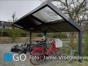 [update] Vernieling bij fietsenstalling bushalte Sommelsdijk Zuid