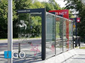 Graffiti pentagram op 4 mei vernieling bushalte Sommelsdijk