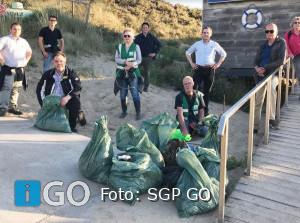 SGP-fractie in actie tegen zwerfafval in duinen Ouddorp