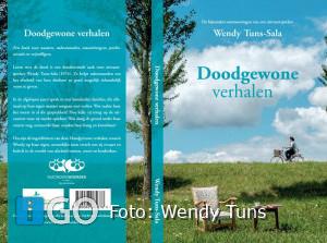 Uitvaartspreker Wendy Tuns, Oude-Tonge schrijft boek:Doodgewone verhalen
