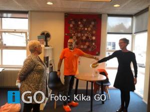 Verloting Kerst-quilt KiKa geslaagde actie voor Quiltgroep Herkingen