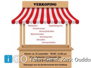 Kleine Wintermarkt op parkeerplaats in Ouddorp
