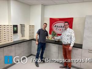 'Oud-leerling' Wim Vroegindeweij sponsort magazijn Beroepscampus Middelharnis