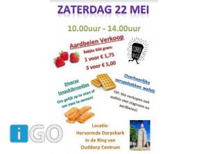Gezellig eten en drinken in tuin Dorpskerk Ring Ouddorp