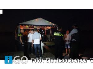 2 illegale feesten natuurgebied Grevelingen gestopt: meer dan 110 man weggestuurd