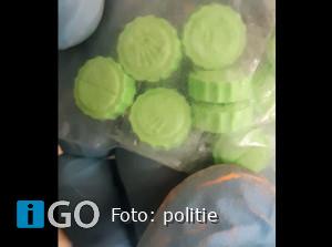 Politie doet inval woning Ooltgensplaat, twee personen aangehouden