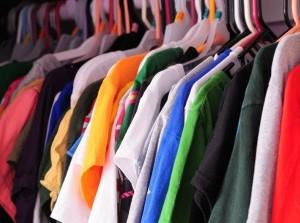Verkoop tweedehands kleding in Middelharnis