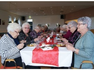 Kerstmaaltijd voor alleenstaanden in het Wijkcentrum