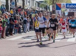 Begin Koningsdag sportief met de 42e Rabobank Omloop van Menheerse