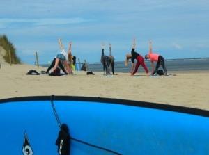 Surf-Zen-Satie: yoga en surfles in Ouddorp