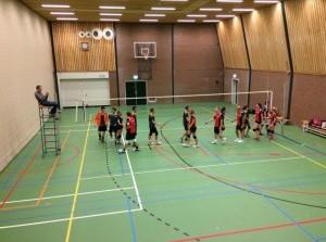 Kriekel volleybalmix speelt met pijn en moeite gelijk tegen Erasmus X5