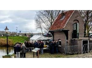 Weeghuisje Ooltgensplaat krijgt Compliment voor het Monument