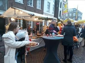 Succes voor 'PerronX' bij weekmarkt Voorstraat Sommelsdijk