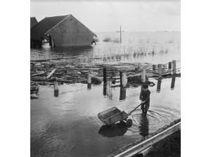 Fototentoonstelling 'De Ramp in focus' in Watersnoodmuseum