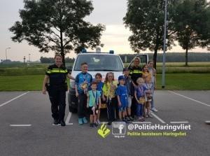 Tijdens avondvierdaagse Den Bommel op de foto met politie