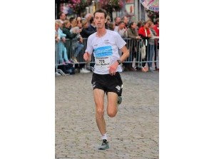 Stitan verslaat Sint Nicolaas in 15e Tieleman Keukens Run