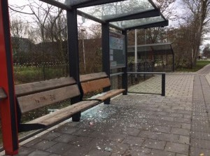 Getuigenoproep vernieling bushokjes Sommelsdijk