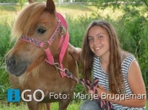 Boekpresentatie Marije Bruggeman (15) in Middelharnis